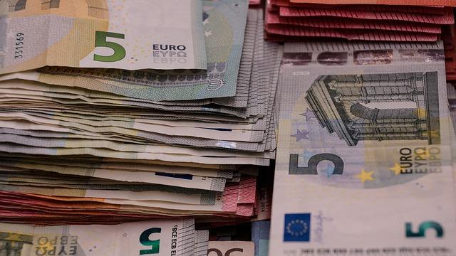 money-1098032_640